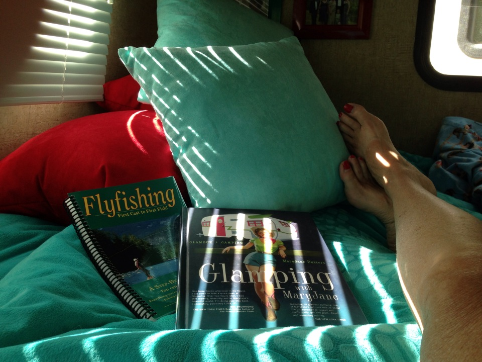 GLAMPING WITH MARY JANE AND FLY FISHING - CONTEMPLATION